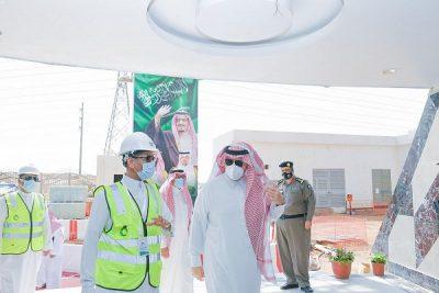 سمو الأمير فيصل بن خالد بن سلطان يتفقد مشروع برج مياه مدينة عرعر