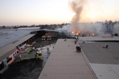 اندلاع حريق في مستودع أخشاب على طريق الملك عبدالعزيز.. ومدني بريدة يباشر