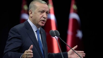 أردوغان يؤكد وجود قوات عسكرية لبلاده بقطر بزعم حفظ الأمن