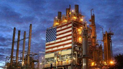 """الإعصار """"دلتا"""" يوجه أكبر ضربة لإنتاج النفط البحري الأميركي"""