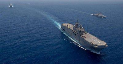 البحرية المصرية تغيث سفينة تركية.. وتنقذ ركابها