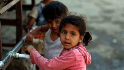 ميليشيا الحوثي تمنع اللقاح.. الشلل يهدد أطفال اليمن