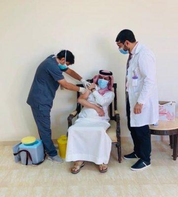 رئيس مركز صوير بالجوف يدشن حملة تطعيم الأنفلونزا الموسمية