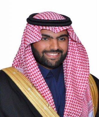 وزير الثقافة يعزي رئيس أدبي حائل في وفاة والده