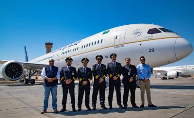 """طائرة دريملاينر جديدة تنضم لـ""""أسطول الخطوط السعودية"""""""