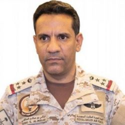 نشوب حريق في خزان للوقود في محطة توزيع المنتجات البترولية في شمال جدة نتيجة اعتداء إرھابي بمقذوف