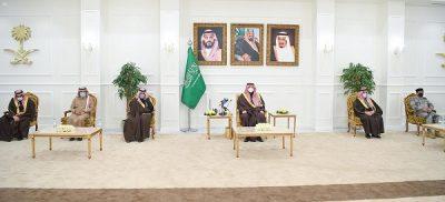 سمو الأمير فيصل بن خالد بن سلطان يكّرم وكيل إمارة منطقة الحدود الشمالية للشؤون الأمنية