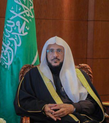 وزير الشؤون الإسلامية: ولي العهد يعمل ليل نهار لبناء المملكة وفق خطط مدروسة