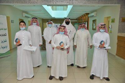 """تتويج الطلاب الفائزين في مسابقة """" جُدَدُ الشَمَال """" بتعليم جدة"""
