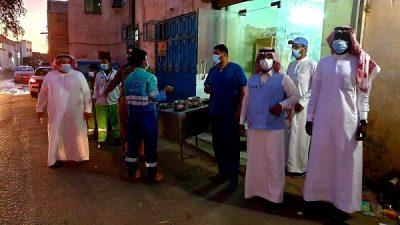 لجنة رباعية تضبط موقعيْن مخالفيْن لبيع الدجاج الحي في جدة