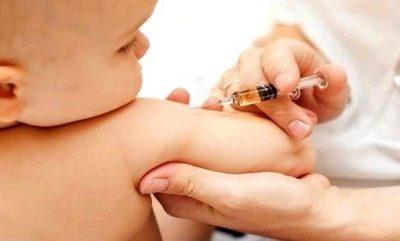 """بالشهور.. """"الصحة"""" توضح جدول التطعيمات الوطني للحفاظ على صحة الأطفال"""