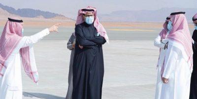 استعداداً للقمة الخليجية.. مدير مطار الأمير عبدالمجيد بالعلا يستقبل رئيس هيئة الطيران المدني