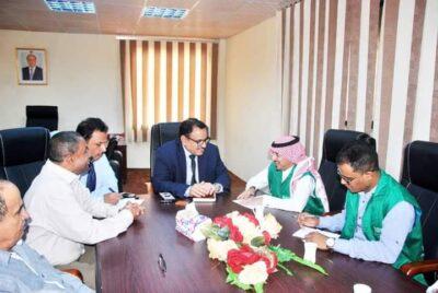 """""""السقطري """"يناقش تعزيز التعاون المشترك مع مدير مكتب البرنامج السعودي للتنمية والإعمار بعدن"""