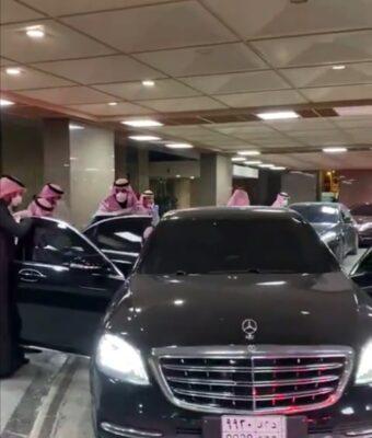 بالفيديو.. ولي العهد يغادر مستشفى الملك فيصل التخصصي