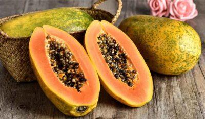 """تبطئ الشيخوخة.. """"البيئة"""" تعدد فوائد صحية لتناول فاكهة البابايا"""
