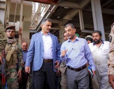"""""""لملس"""" يزور مصفاة عدن ويلتقي بقيادة شركة النفط ويتخذ عددٍ من التدابير لتوفير مادة البنزين"""