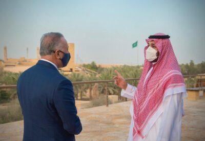 محمد بن سلمان يصطحب رئيس وزراء العراق في جولة بحي الطريف التاريخي