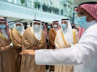خالد الفيصل يشهد إعادة تشغيل رحلات قطار الحرمين السريع  في محطة المطار بمحافظة جدة