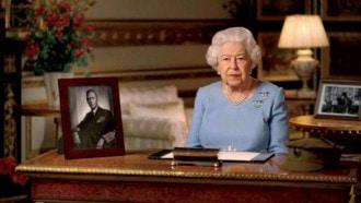 بعد أيام من وفاة زوجها.. الملكة إليزابيث تعود لواجباتها الملكية