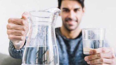 خالد النمر: شرب الماء بكثرة قبل أذان الفجر غير صحي لسببين