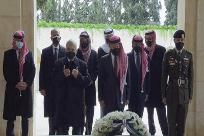 الأمير حمزة يظهر رفقة العاهل الأردني