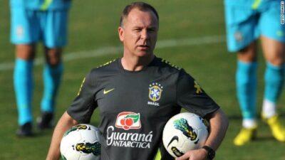 النصر يعلن تعاقده مع المدرب البرازيلي مانو مينيز