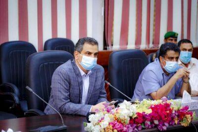 برئاسة المحافظ لملس.. تنفيذي عدن يقرر تشكيل مجلس اقتصادي ويطالب بإعادة فتح فرع البنك المركزي