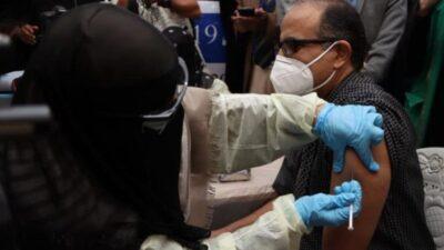 اليمن يدشن حملة التطعيم للقاح استرازينيكا في 13 محافظة يمنية لمجابهة كوفيد19