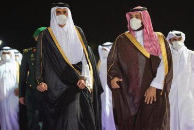 سمو ولي العهد يستقبل سمو أمير دولة قطر بمطار الملك عبدالعزيز الدولي في جدة