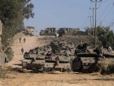 قصف إسرائيلي على غزة وقتلى بمواجهات في الضفة الغربية
