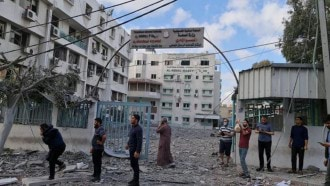 """غزة.. القصف الإسرائيلي يخرج مختبر """"كورونا"""" من الخدمة"""