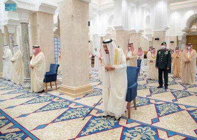 خادم الحرمين الشريفين يؤدي صباح اليوم صلاة عيد الفطر المبارك