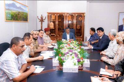 محافظ عدن يترأس اجتماع اللجنة الأمنية لضبط السلاح الغير مرخص والمركبات المجهولة
