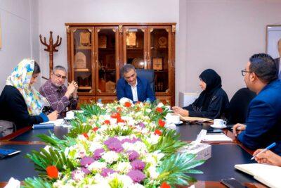 """محافظ عدن يطلع على أنشطة مركز سيفك ويشيد بدور منظمة""""هالوترست"""" في مكافحة الألغام"""
