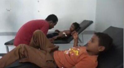 بعد أسبوع من خسائرها المتواصلة.. مليشيات الحوثي تستهدف أحياء المدنيين.. وإصابة طفلين جراء مخلفاتها بالحديدة