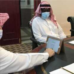 وزير الأشغال العامة والطرق اليمني يوقف ويجمد التعامل مع رئيس صندوق صيانة الطرق بعد مخالفاتة للقانون