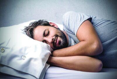 النوم أكثر من 9 ساعات قد يؤدي لخرف الشيخوخة