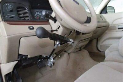 """""""الجمارك"""": سيارات ذوي الإعاقة معفاة من الرسوم الجمركية ما عدا """"القيمة المضافة"""" وسنة الصنع"""