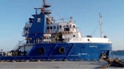 غرق سفينة نفطية في مصر.. مصرع القبطان وإنقاذ الطاقم