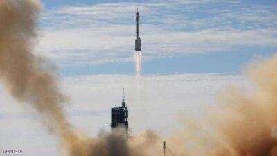 إقلاع أول رحلة مأهولة إلى المحطة الفضائية الصينية