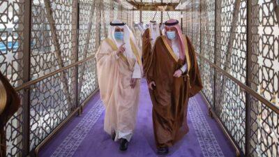 وزير خارجية الكويت يصل إلى الرياض