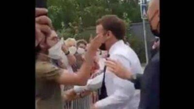 """حملة اعتقالات فرنسية بعد تعرض الرئيس إيمانويل ماكرون لـ """"الصفع"""""""