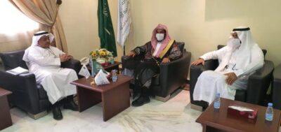 الدكتور فهد المطلق يلتقى بمدير عام فرع الرئاسة العامة لهيئة الأمر بالمعروف بالقصيم