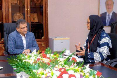 محافظ العاصمة عدن يلتقي مديرة منظمة نداء جنيف