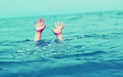 أم مصرية تغرق ابنتها في برميل مياه حتى المـوت