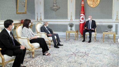 الرئيس التونسي: نحن في حالة استثنائية.. ولن نترك الوطن للصوص