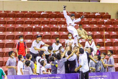 الشباب والفرع يقتسمان لقبي كأس أبطال التايكوندو للناشئين والبراعم