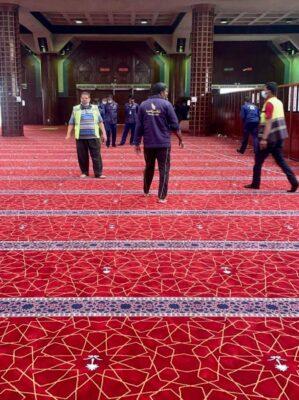 بالفيديو.. الشؤون الإسلامية تنهي مشروع فرش مسجد التنعيم بالسجاد الفاخر