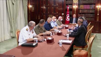 الرئيس التونسي: ما قمنا به ليس انقلابًا.. ونطمئن التونسيين ورجال الأعمال بشأن الأوضاع في البلاد
