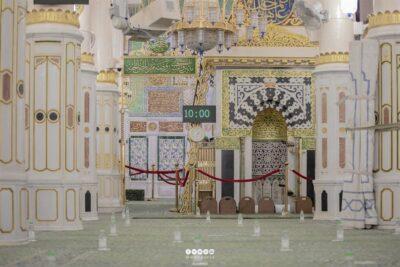 """""""شؤون المسجد النبوي"""": إضافة مواعيد للصلاة في الروضة الشريفة للرجال والنساء"""